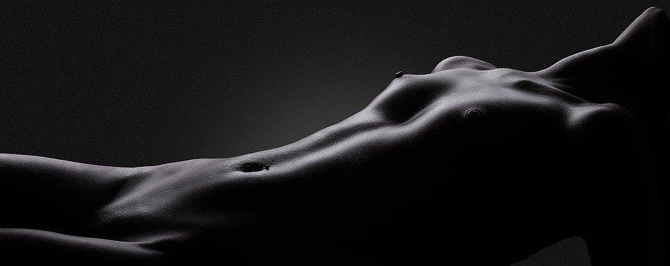 nahé tělo